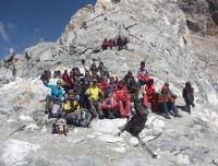 Group - At the top of Cho-La